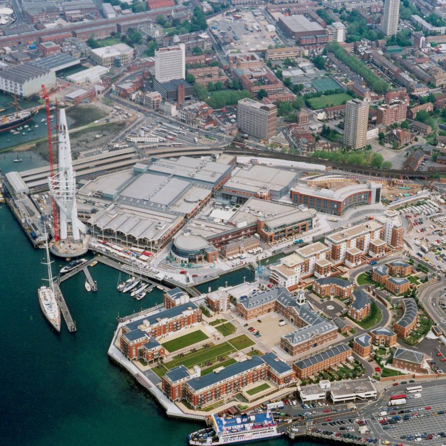 Gunwharf Quays 2004