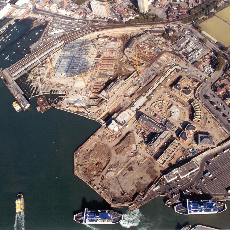 Gunwharf Quays Construction 1999