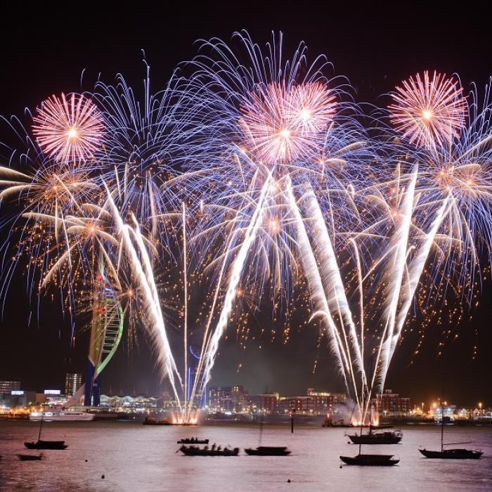 Light it Up for Barnardo's | Fireworks Displays in Portsmouth | Fireworks Displays 2017 | Gunwharf Quays